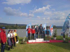 Fotografija iz podelitve medalj - tretje mesto Jana Šmita ter Janija Jarca v Pieštanih na Slovaškem.