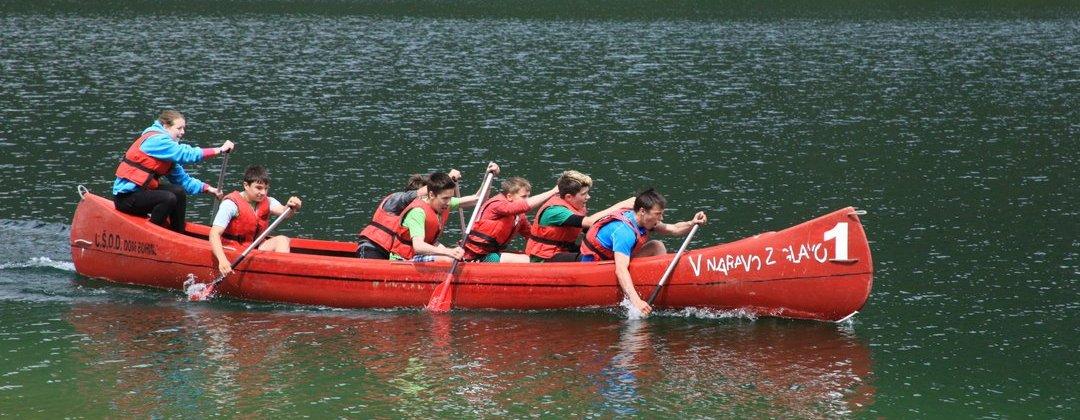 Tekma v velikem kanuju